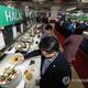 食堂で提供されるハラルフード=19日、光州(聯合ニュース)