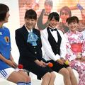 左から前田有紀、堂真理子、竹内由恵、島本真衣、小川彩佳アナ