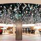 大阪・梅田の「ホワイティうめだ・泉の広場エリア」の5日開業を前に、内覧会でお披露目された新シンボル「Water Tree」