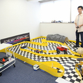 オフィスにはコースが。 右に写っているのが赤松洋介氏