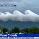 まるで絵画!米バージニア州に波の形をした雲が出現