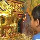 タイ寺院に金色のベッカムやピカチュウ像、「仏教保護のシンボル」
