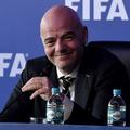 """2年に1度の祭典誕生か…FIFA会長が""""ミニW杯""""開催を提案"""