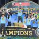 昨季2年ぶり3度目のリーグ優勝を果たして喜ぶ川崎イレブン=等々力