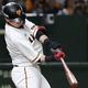 8回巨人一死二塁、代打陽岱鋼が右越えに勝ち越し二塁打を放つ=東京ドーム(C)Kyodo News
