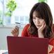 買い物依存で、カードの借入が50万円ほどあり過去に任意整理もしているという45歳の会社員女性。ファイナンシャル・プランナーの深野康彦さんがアドバイスします。
