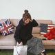 ラフなおしゃれ感覚が魅力の「ビニールバッグ」を今年こそ♡ カジュアル合わせのお手本コーデ