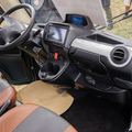 中国製小型EVトラック「メトロ」。室内は日本仕様になっている。