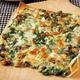 思わず作りたくなる! 春巻きの皮を使った『なんちゃって納豆ピザ』が簡単&豪華すぎる