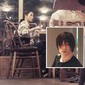 夜10時過ぎにカフェレストランで知人らしき中年女性と食事をとり