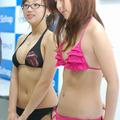 インタビューに応じる大友さゆり(左)と辰巳奈都子