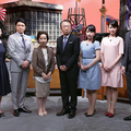 (左から)宮崎美子、峰竜太、八千草薫、池上彰氏、相内優香アナ