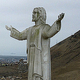 ペルー首都リマの丘の上に建てられた「太平洋のキリスト」像(2019年7月15日撮影)。(c)Cris BOURONCLE / AFP