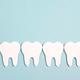 リップ選びのコツから食事方法まで。輝く白い歯を手に入れる、19のメソッド。