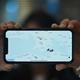 アプリ「HKmap.live」の地図が表示されたスマートフォンの画面(2019年10月10日撮影)。(c)Philip FONG / AFP