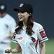 (写真提供=SPORTS KOREA)『ミス・トロット』で人気を集めたキム・ナヒは、プロ野球の始球式にも登場