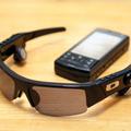 これがOAKLEYのアイウエア「O ROKR」。Bluetooth搭載で、911Tで