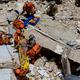 ブラジル北東部セアラ州フォルタレザで建物が崩壊した現場の様子(2019年10月15日撮影)。(c)GUSTAVO PELLIZZON / DIARIO DO NORDESTE / AFP