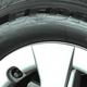 新品なのになんの印? タイヤの横にある「黄色」や「赤色」の点の意味とは