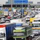 ロンドンの周囲を回る高速道路M25で事故は発生した/TIM GRAHAM/GETTY IMAGES