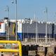 アラブ首長国連邦(UAE)ドバイに停泊するイスラエル企業所有の車両運搬船「ヘリオス・レイ」(2021年2月28日撮影)。(c)Giuseppe CACACE / AFP