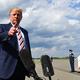 トランプ大統領は8月18日、「天安門事件のようなことがまた起これば、(中国との)取引は非常に難しくなる」と記者団に述べた(NICHOLAS KAMM/AFP/Getty Images)