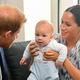 アーチー、顔だけでなく髪色もヘンリー王子そっくり!