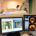 CT検査を受ける患者(2014年1月23日撮影、資料写真)。(c)PHILIP