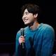 俳優イ・ジョンソクが前回人気を博した ファンミーティングの追加公演を開催し、5000人を魅了!!