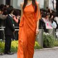【第23回東京国際映画祭】沿道のファンにこたえる杏