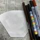 用意する材料。写真のペンはダイソーと文房具屋で購入 【写真:小幡哲士】
