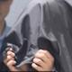 「興奮したかった」女性のスカートを盗撮した容疑で49歳医師を逮捕