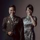 結婚式の写真撮影に臨む、台湾軍兵士(左)とその同性パートナー。同軍提供(撮影場所・日不明、2020年10月27日公開)。(c)AFP PHOTO / TAIWAN ARMY HEADQUARTERS