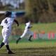 わが子は朝から夕方までの練習で約200球投げている。あの二刀流の選手の半分以下の年齢で200球を全力で投げたらケガして当たり前なんじゃないか(写真はイメージです)