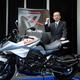 SUZUKI 新型KATANA(カタナ) 価格151万2000円(税込) 新型には「ミスティックシルバーメタリック」と、「グラススパークルブラック」の2色が用意されている