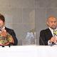 HARASHIMA(左)が話している最中、秋山は週プロの表紙を気にしていた