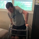 四肢麻痺の男性が、1220日ぶりに自力で立つ瞬間【映像】