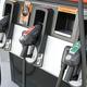 レギュラー・ハイオク・軽油! クルマに指定と違う燃料を入れるとどうなる?