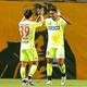 サウダーニャ(写真右)や見木(39番)らがさらにゴールを奪い、チームに勢いをもたらせられるか。昇格へ勝率を上げたい。写真:塚本凜平(サッカーダイジェスト写真部)