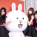 左より、志田友美、山田朱莉、京佳