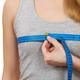 胸のサイズ、その測り方で合ってる!? 正しい胸のサイズの測り方について