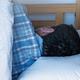 熟睡できない人は、ベッドを壁から10cm以上離すべき理由